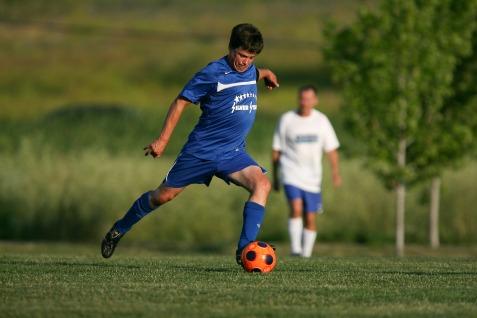soccer-2138267_1920