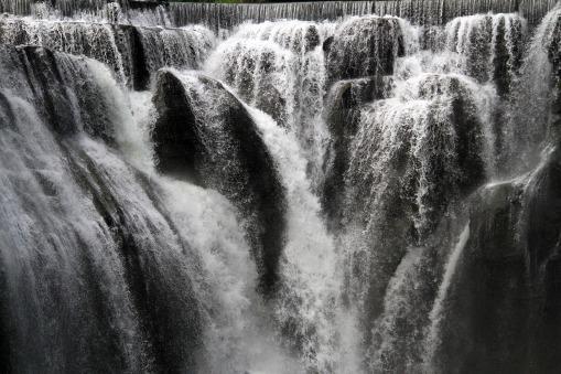 falls-2377258_1920