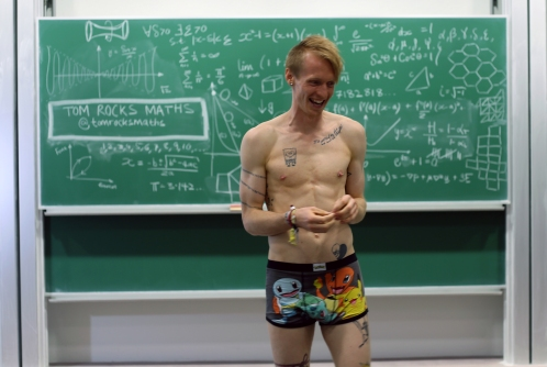 Naked-Mathematician_Tom-Crawford
