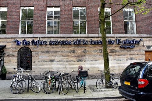 'Fifteen_Minutes_of_Fame'_-_Witte_de_Withstraat_Rotterdam_(28164113224)